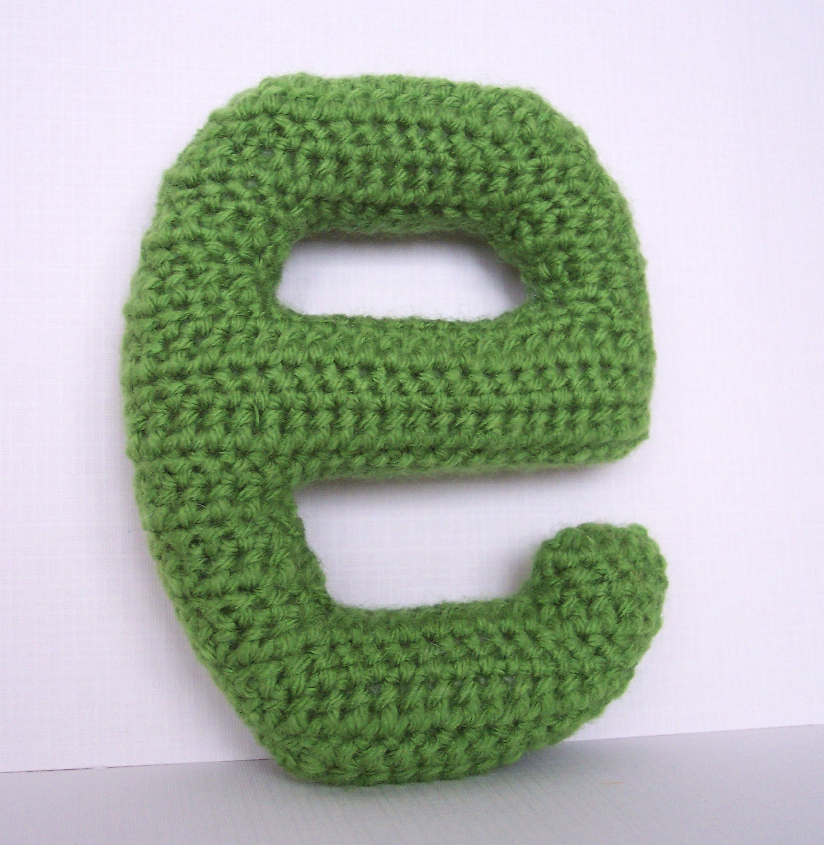 FREE CROCHET LETTER PATTERN - Crochet and Knitting Patterns
